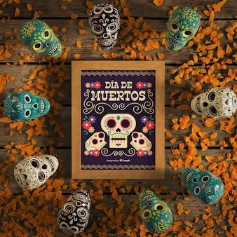 Dia de muertos-modell, umgeben von totenköpfen