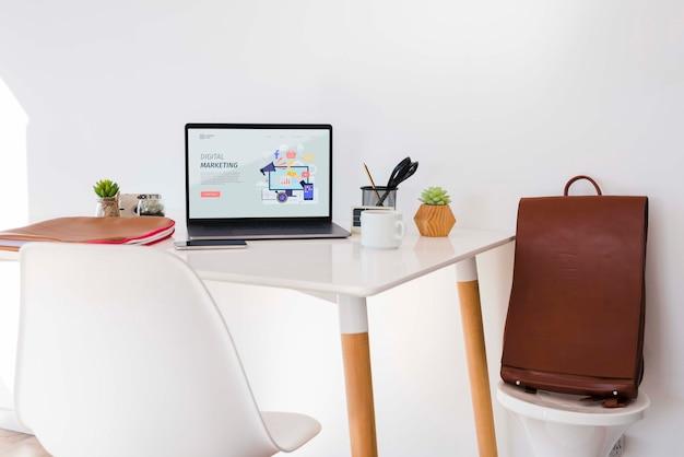 Digital marketing desk-konzept