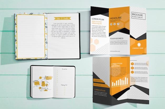 Draufsicht auf das modell des broschürenkonzepts