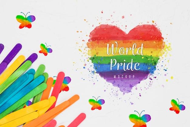 Draufsicht des regenbogenfarbenen herzens für stolz