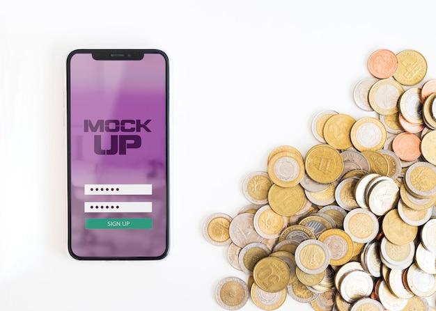 Draufsicht des smartphone-modells mit bitcoin