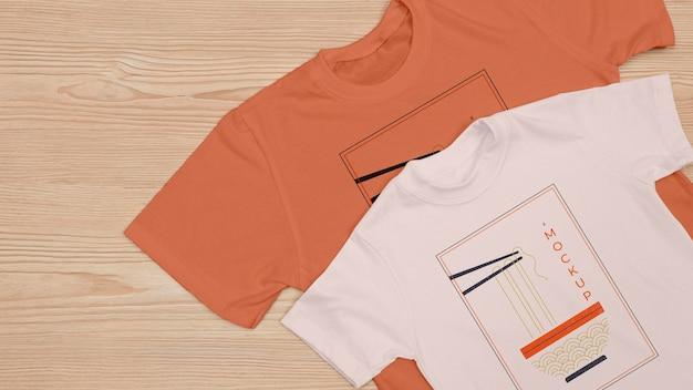 Draufsicht des t-shirt-konzept-modells