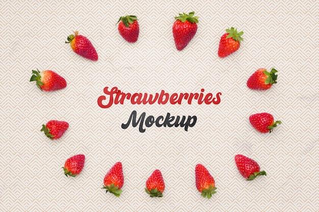 Draufsicht erdbeeren auf tisch