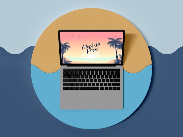 Draufsicht laptop sommerkonzept