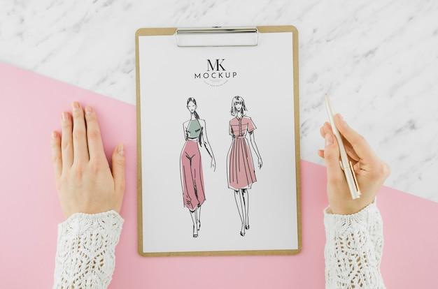 Draufsicht-modezeichnung mit modell