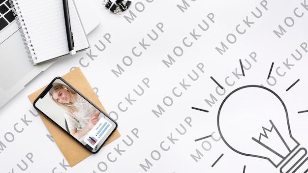 Draufsicht telefon- und schreibtischmodell