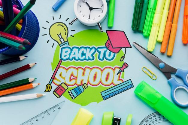 Draufsicht zurück zu schule mit blauem hintergrund