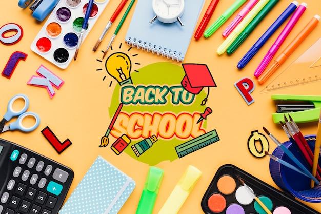 Draufsicht zurück zu schule mit orange hintergrund