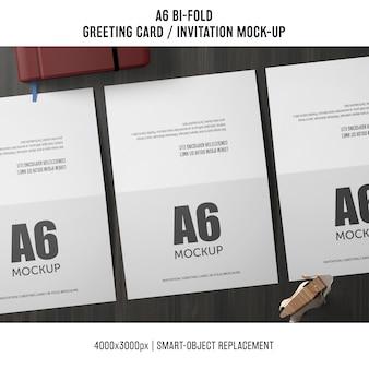 Drei a6 zweifach gefaltete einladungskarte modell