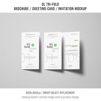 Dreifach gefaltete broschüre oder einladungsmodell