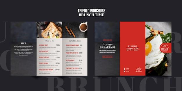 Dreifach gefaltete broschürenvorlage für die brunch-zeit