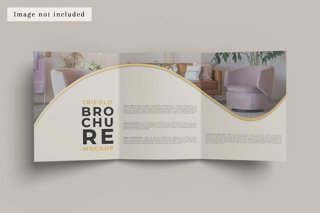 Dreifach gefaltetes broschürenmodell flache ansicht