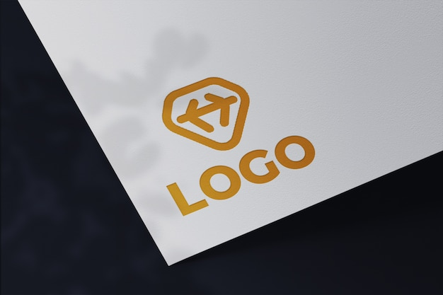 Editierbares weißes papier visitenkarte dunkles designmodell
