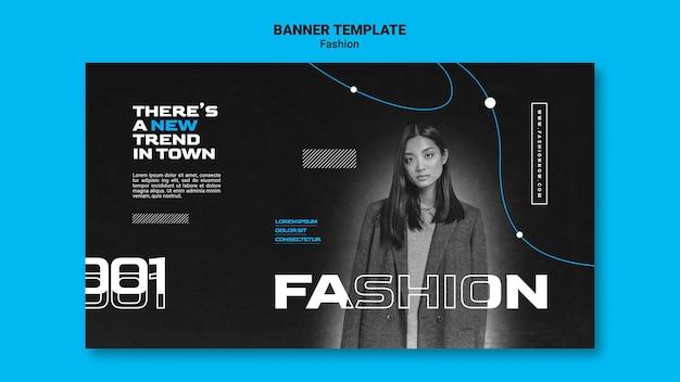 Einfarbiges horizontales banner für modetrends mit frau