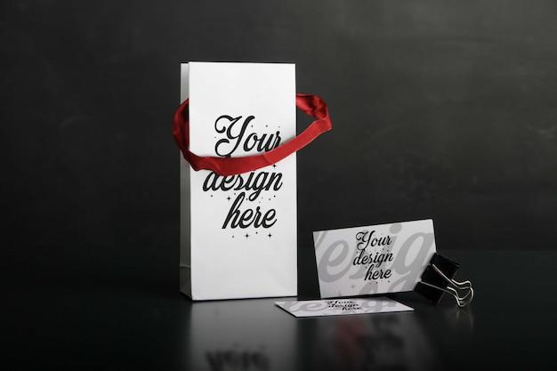 Einkaufstasche mit visitenkarte-modell
