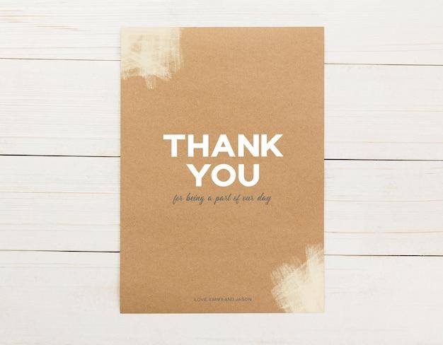 Einladungskartenvorlage, dankeschön-karten-mockup, 5 x 7 minimalistisches briefpapier-mock-up.