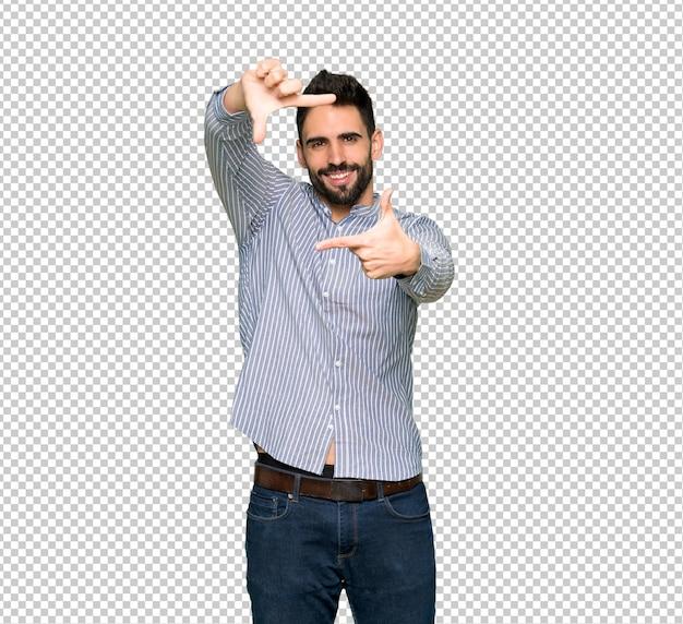 Eleganter mann mit fokussierendem gesicht des hemdes. framing-symbol