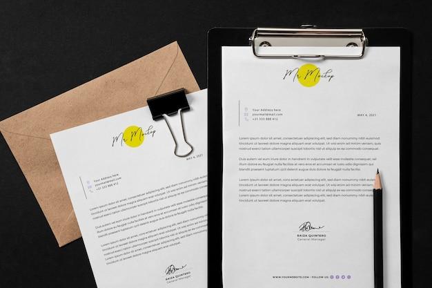 Elegantes briefpapier-designmodell aus dunklem stein