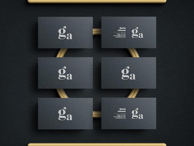 Elegantes und modernes visitenkartenmodell mit dem goldenen ring