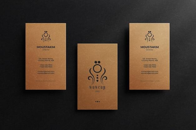 Elegantes visitenkartenmodell mit letterpress-effekt