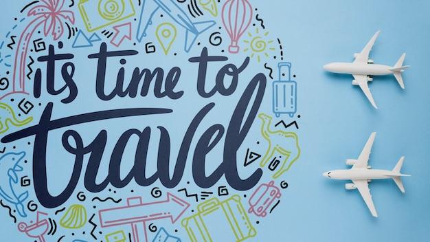 Es ist zeit zu reisen, motivierende schriftzüge über feiertage