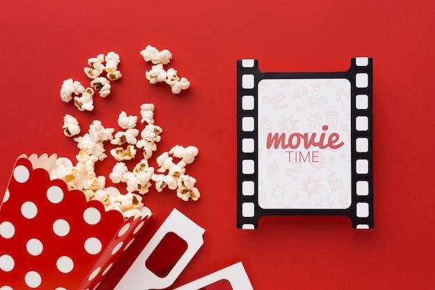 Filmstreifen mit butterpopcorn