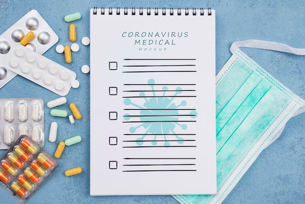 Flacher medizinischer schreibtisch mit notizbuch