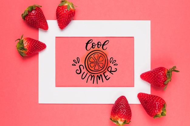 Flaches laienrahmenmodell mit erdbeeren