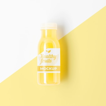 Flasche gelbes smoothie-modell
