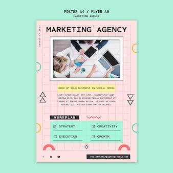 Flyer für social-media-marketing-agentur
