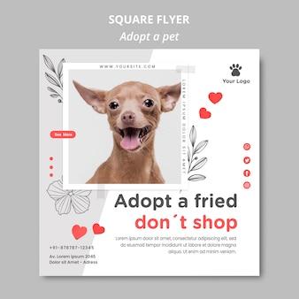 Flyer-vorlage mit adoptiertem haustierdesign