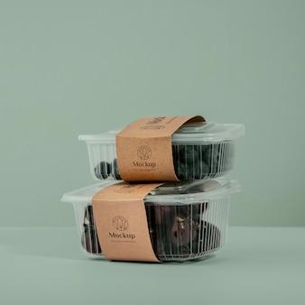 Früchte in mock-up-verpackungsanordnung