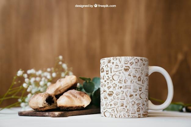 Frühstück mockup mit becher