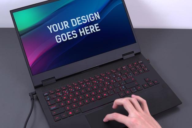 Gamer-laptop-modell