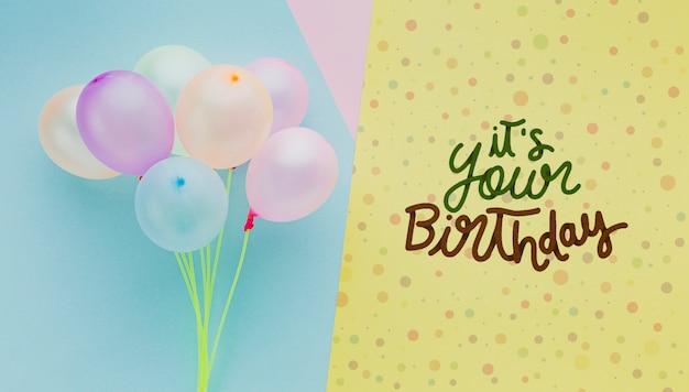 Geburtstag luftballons mit schriftzug