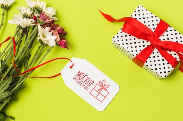 Geburtstagsgeschenk mit modellanhänger