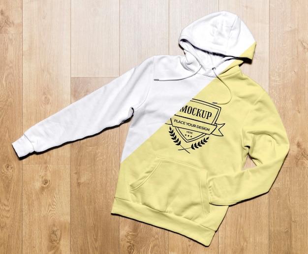 Gelbes hoodie-modell der draufsicht