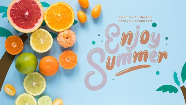 Genießen sie den sommer mit einer sammlung exotischer früchte