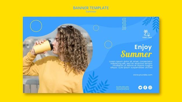 Genießen sie sommer und gute kaffee-banner-vorlage