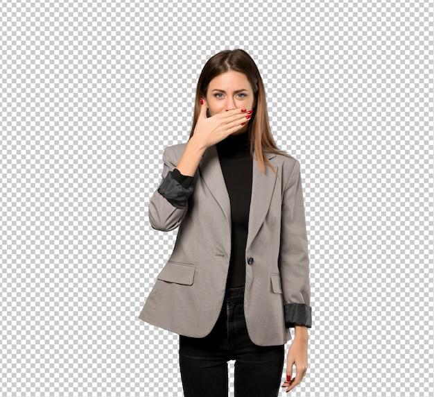 Geschäftsfraubedeckungsmund mit den händen für das sagen von etwas unangebrachtem