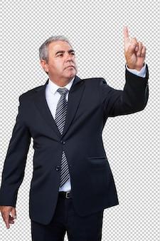 Geschäftsmann, der einen bildschirm berührt