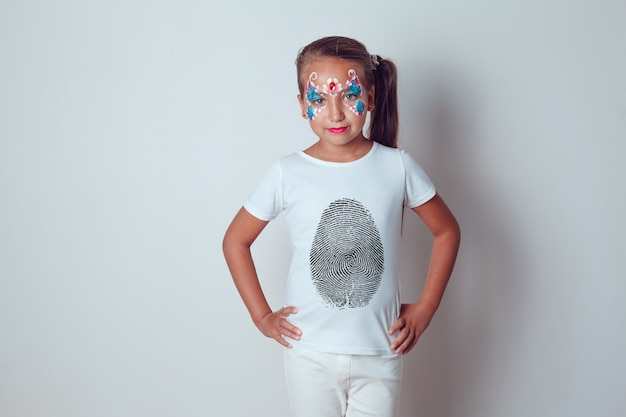 Gesichtsbemalung kinder t-shirt mock-up