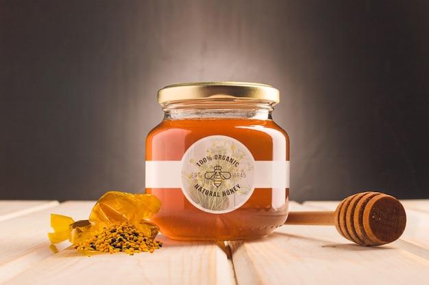 Glas mit natürlichem honig