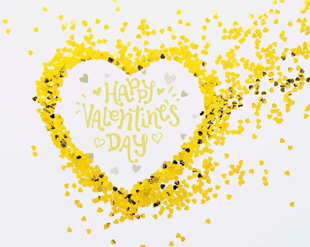 Glücklicher valentinstag mit herzform von den konfettis