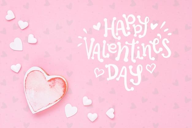 Glückliches valentinstagkonzept mit herzen