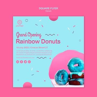Große eröffnung regenbogen donuts quadratischen flyer