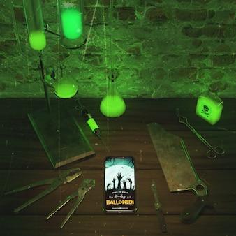 Grünes neonlicht des hohen winkels mit smartphone
