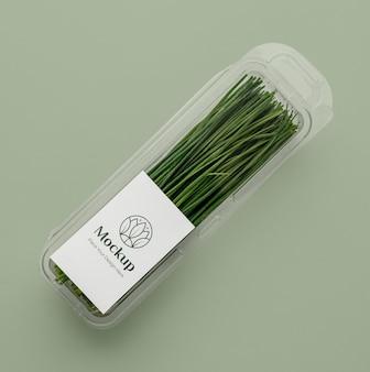 Grüns im mock-up-verpackungssortiment