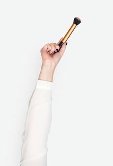 Hand mit pinsel