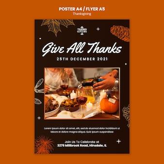 Happy thanksgiving vertikale druckvorlage
